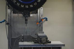 S700x1 コンパクトマシニングセンター (高トルク、ハイコラム仕様)
