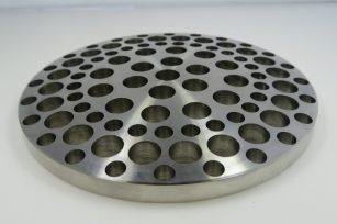 切削加工事例 Alloy C-276(ハステロイ相当品) 切削加工部品 円盤 穴1
